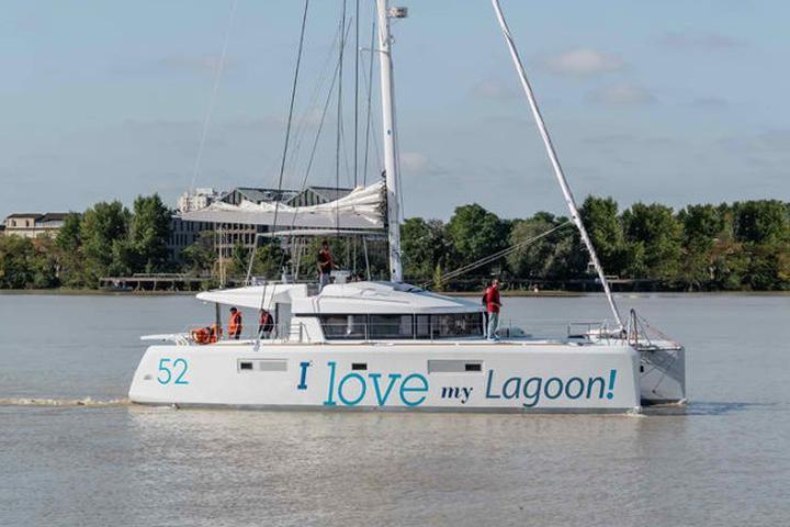 Lagoon 52-4